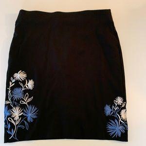 Rox & Ali black floral skirt. Size large.